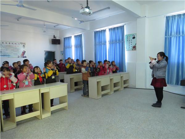 泾口街小学乡村学校少年宫音乐室开展活动