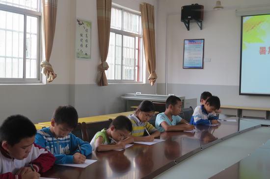 塔城乡河西小学暑假活动之书法比赛-南昌县教育体育