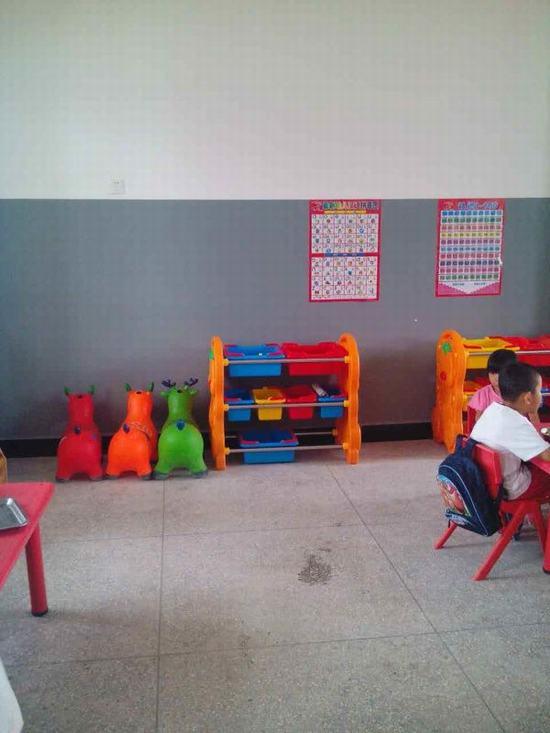 《幼儿园安全工作专项检查表》进行自查,查漏补缺,对存在问题进行整改